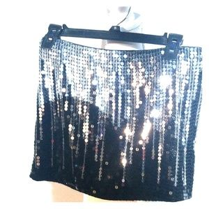 Black and silver sequence skirt.